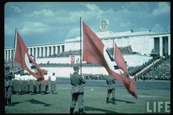 100 цветных фотографий третьего рейха. Изображение №23.