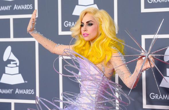Очередные метаморфозы Lady Gaga. Изображение № 10.