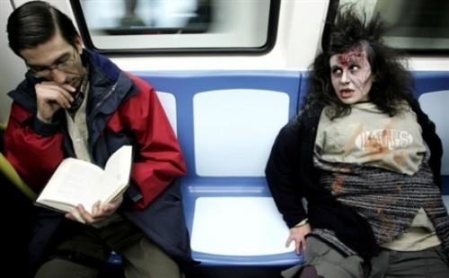 ВоФранкфурте прошел парад зомби. Изображение № 14.