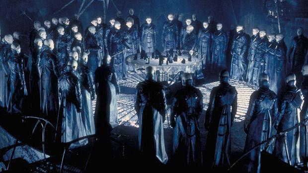 Кадр из фильма «Темный город». Изображение № 2.