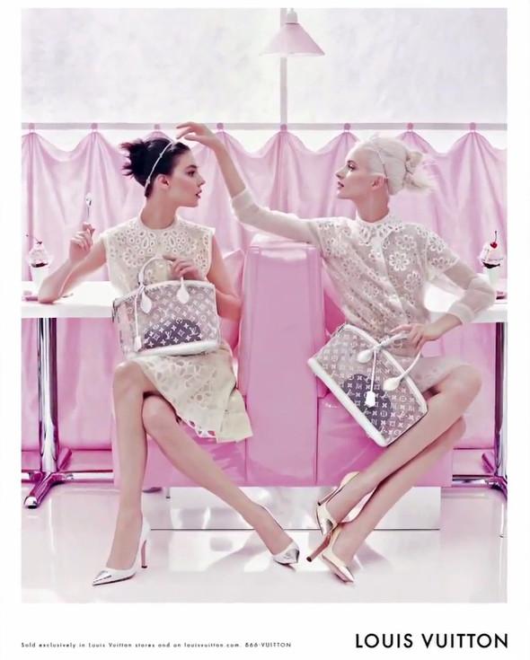 Кампания: Louis Vuitton SS 2012. Изображение № 7.