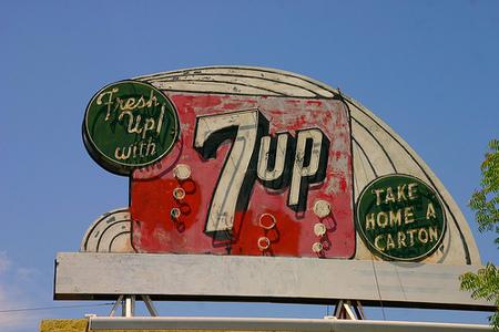 Графика 70-х thegreat hippie 7Up. Изображение № 17.