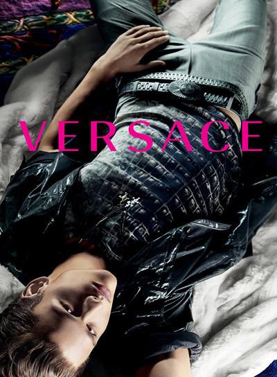 Кампания Versace SS 2010. Изображение № 11.