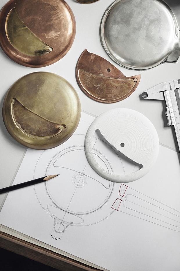 Дизайнер Марк Ньюсон создал серебряный чайный сервиз. Изображение № 17.