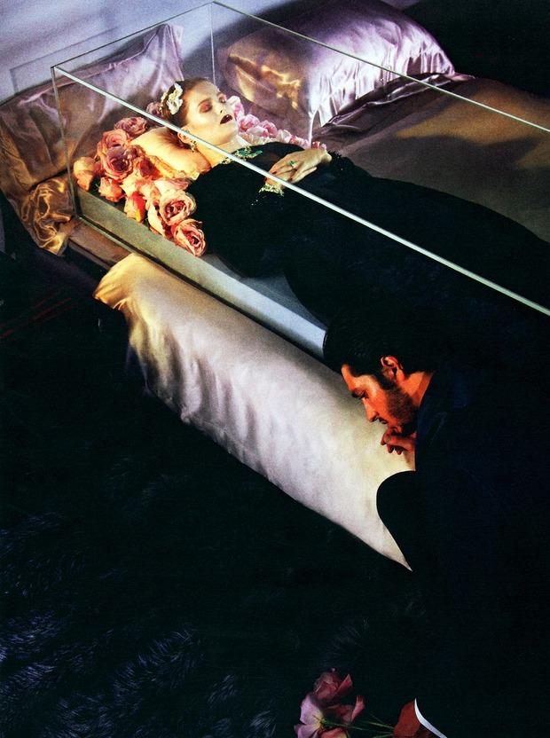 Зловещие мертвецы: 10 съемок к Хеллоуину. Изображение №90.