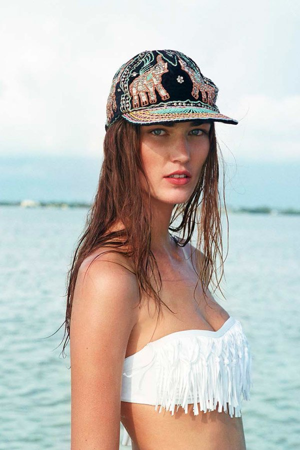 Chanel, Trends Brands и Urban Outfitters показали новые лукбуки. Изображение № 21.
