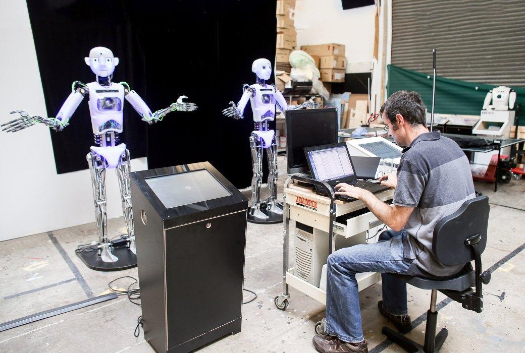 Как собирают эмоциональных андроидов, которые играют в театре. Изображение №8.
