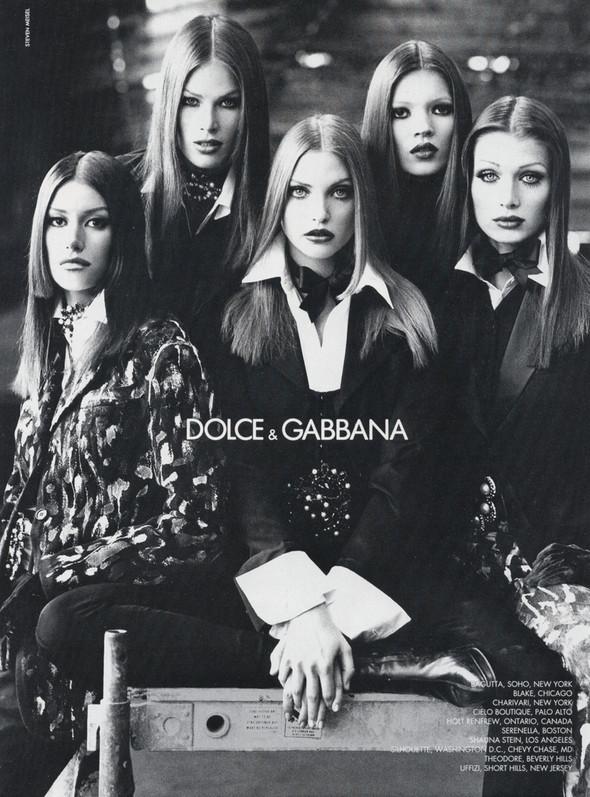 Архивная съёмка: Кейт Мосс, Тайра Бэнкс и другие для Dolce & Gabbana FW 1992. Изображение № 2.