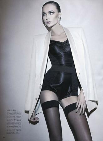 Съёмка в японском Vogue, июль 2011. Изображение № 57.