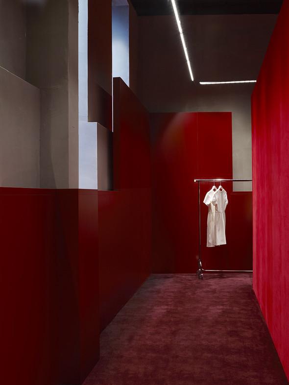 Новые магазины: Acne в Копенгагене, Dover Street Market в Токио и Prada в Москве. Изображение № 4.
