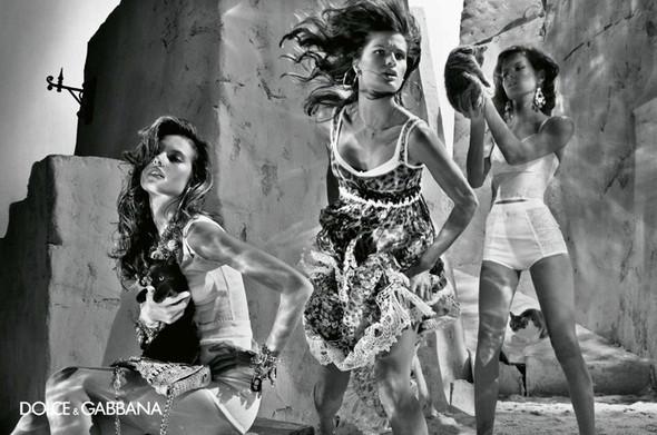 Изображение 19. Рекламные кампании: Lanvin, Prada, Balenciaga и другие.. Изображение № 24.