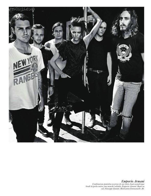 Съёмка: Аризона Мьюз, Лара Стоун, Наташа Поли и другие модели во французском Vogue. Изображение № 49.
