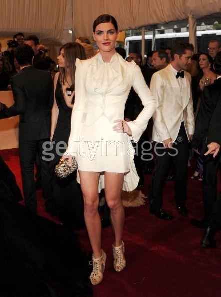Изображение 1. 2011 MET Costume Institute Gala - Models style.. Изображение № 2.