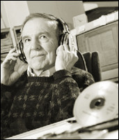Пожалуй, не всякий готов сразу поверить, что изобретение компакт-диска — дело рук одного, вот этого человека (фото с сайта web.reed.edu).. Изображение № 1.