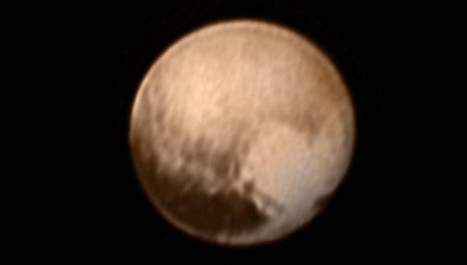 На поверхности Плутона обнаружили «пятно» в форме сердца . Изображение № 1.