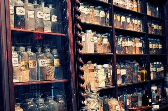 Аптека - музей в Новом Орлеане. Изображение № 3.