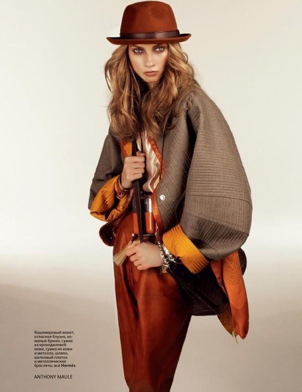 Съёмка: Анна Селезнева для российского Vogue. Изображение № 5.