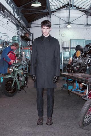 Givenchy, Comme des Garçons, Folk и другие марки показали новые лукбуки. Изображение № 4.