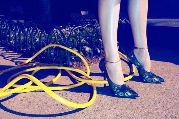 Съемка: Даутцен Крез для немецкого Vogue. Изображение № 7.