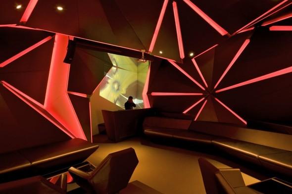 Под стойку: 15 лучших интерьеров баров в 2011 году. Изображение № 76.