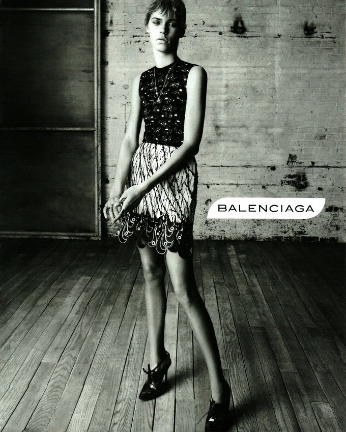 Balenciaga, Jean Paul Gaultier и Versace выпустили кампании. Изображение № 1.