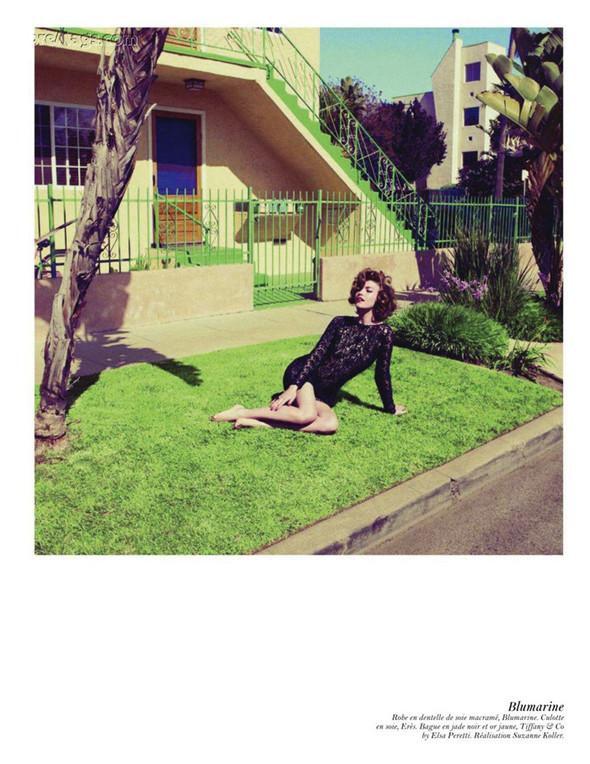 Съёмка: Аризона Мьюз, Лара Стоун, Наташа Поли и другие модели во французском Vogue. Изображение № 61.
