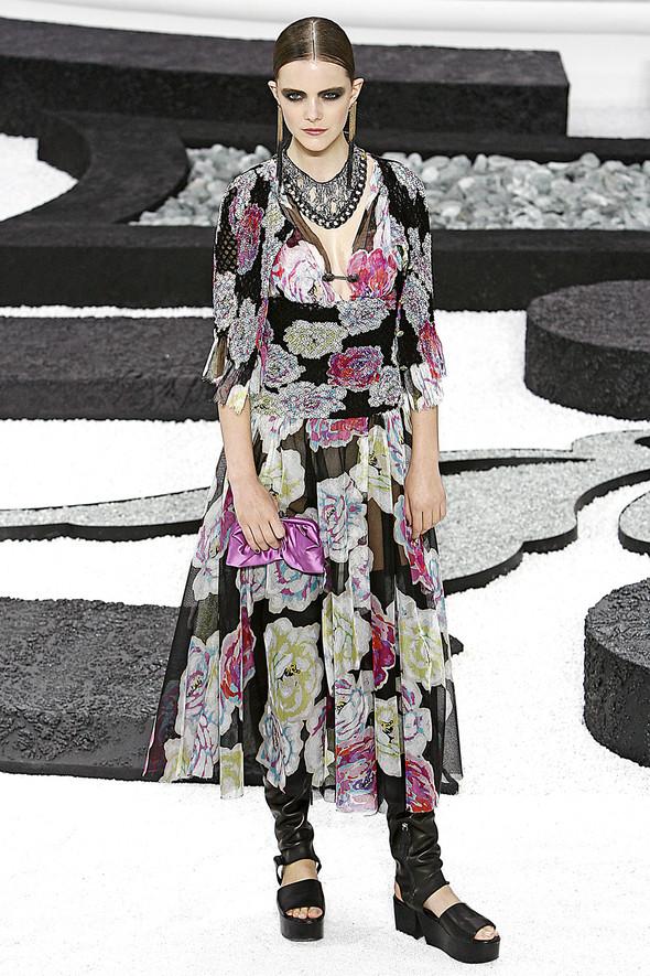 Карл Лагерфельд показал одну из самых красивых коллекций, когда-либо созданных для Chanel. Изображение № 36.