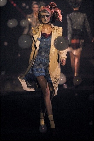 John Galliano Spring-Summer 2010. Изображение № 5.