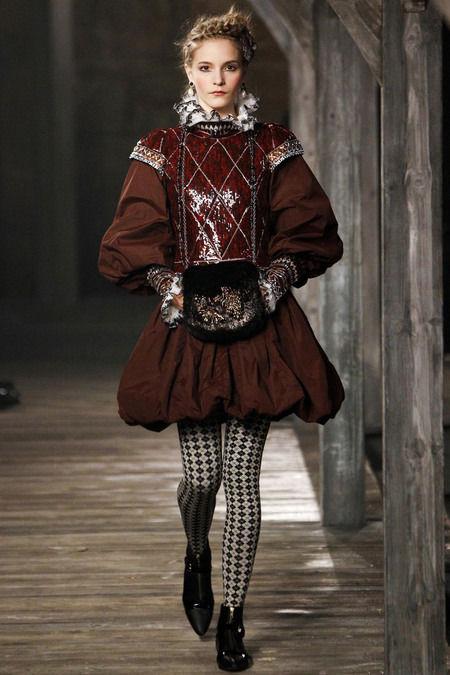 В Шотландии прошел предосенний показ Chanel. Изображение № 12.