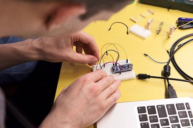 Как сделать передатчик сигнала SOS с помощью платформы Arduino. Изображение № 17.