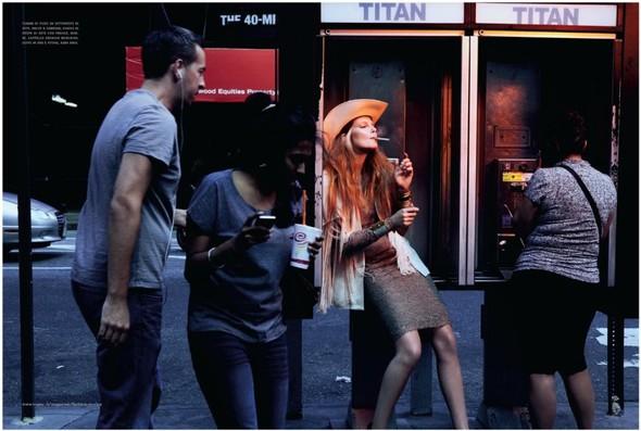 Съемка: Энико Михалик для итальянского Vogue. Изображение № 2.