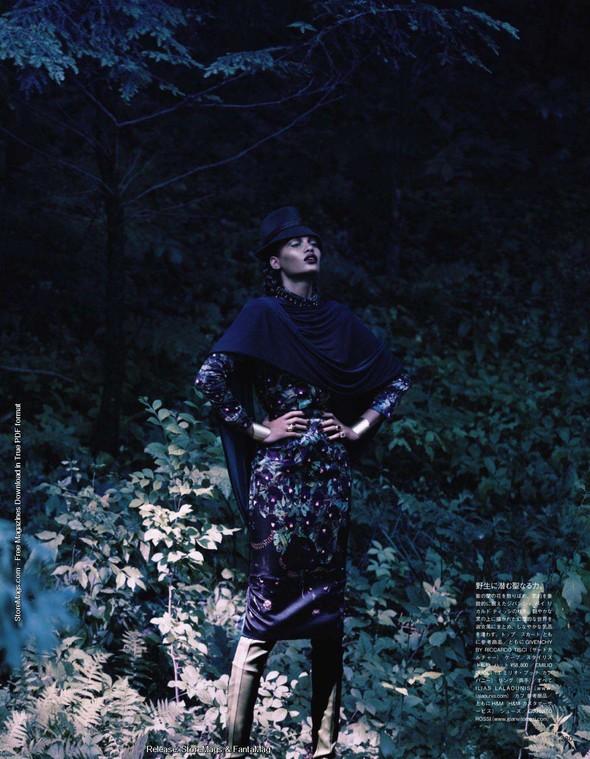 Съёмка: Джоан Смоллс для Vogue. Изображение № 9.