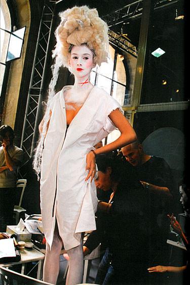 Роксанна Лоуит: за кулисами Dior. Изображение № 13.