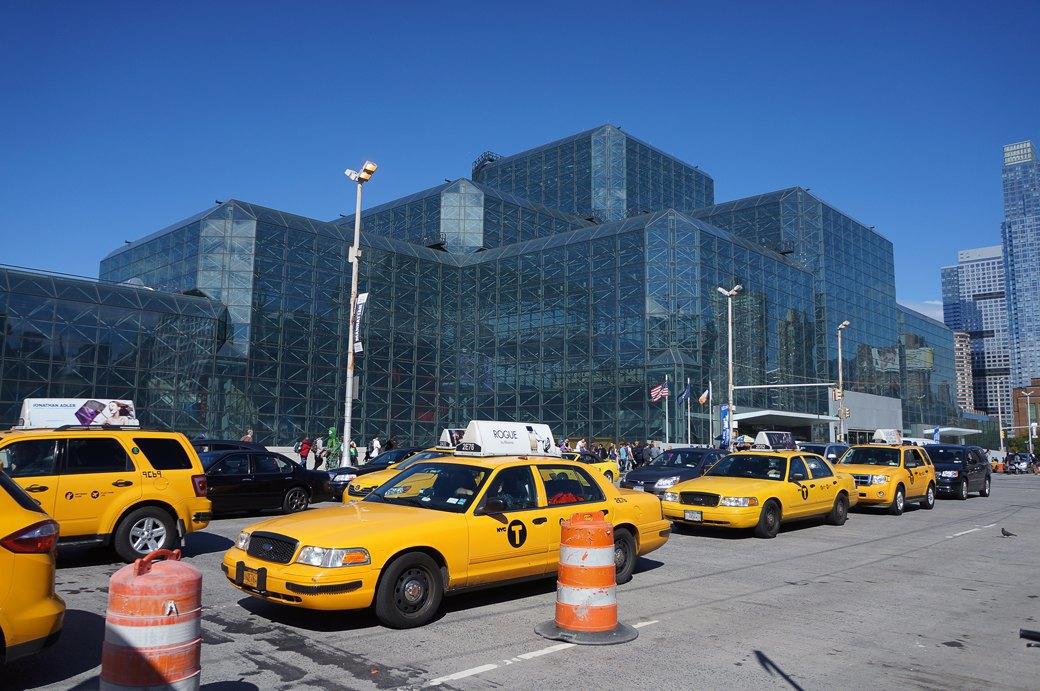 Как прошёл гик-фестиваль NYC Comic-Con  в Нью-Йорке. Изображение № 2.