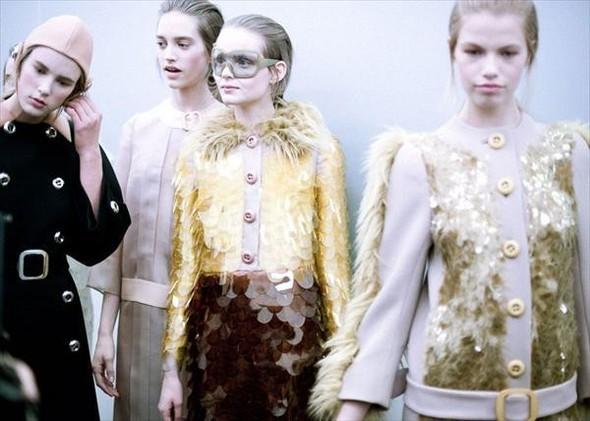 Бэкстейдж показа Prada FW 2011 на Неделе моды в Милане. Изображение № 3.