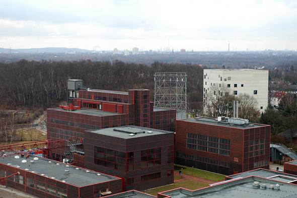 Вид на Рурскую область со смотровой площадки шахты. Изображение № 18.
