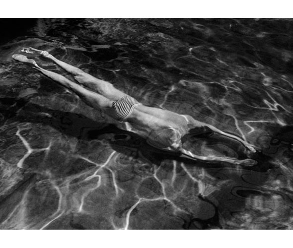 Части тела: Обнаженные женщины на винтажных фотографиях. Изображение № 89.