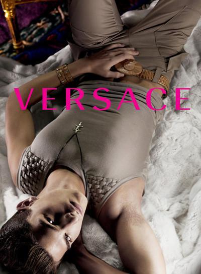 Кампания Versace SS 2010. Изображение № 12.