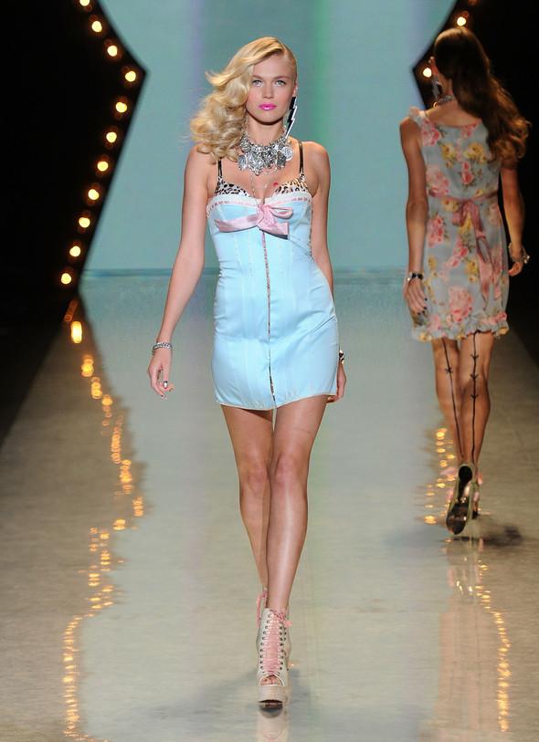 New York Fashion Week: Betsey Johnson Spring 2012. Изображение № 22.