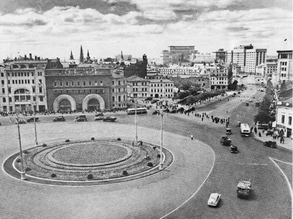 Площадь Дзержинского. Изображение № 80.