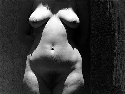 Еще восемь фотографов сюрреалистов. Изображение № 44.