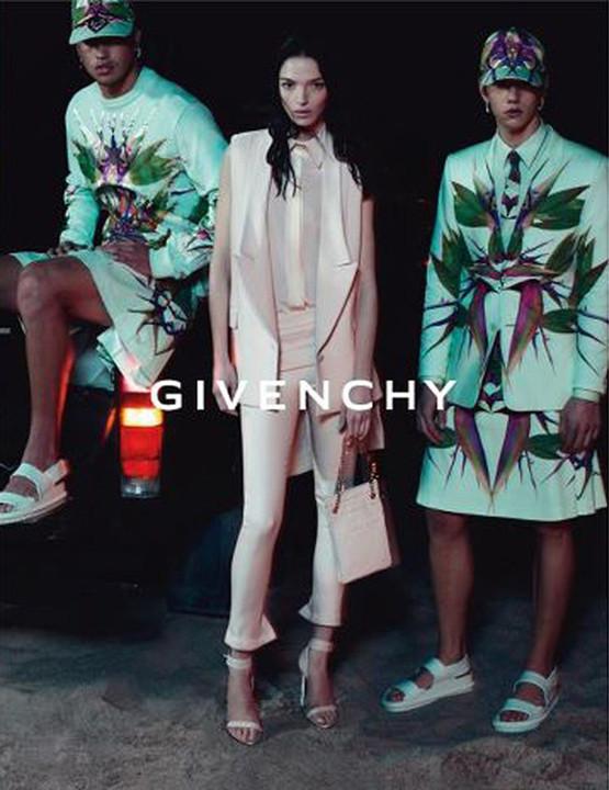 Превью кампаний: Dolce & Gabbana, Emporio Armani, Givenchy и другие. Изображение № 7.
