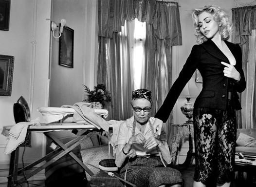 Мадонна в новой рекламе D&G. Изображение № 2.
