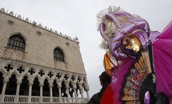 Венецианский карнавал масок. Изображение № 17.