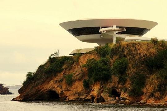 Топ-10 самых необычных зданий в мире. Изображение №3.