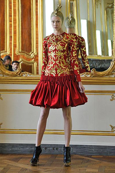 Последняя коллекция Alexander McQueen. Изображение № 1.