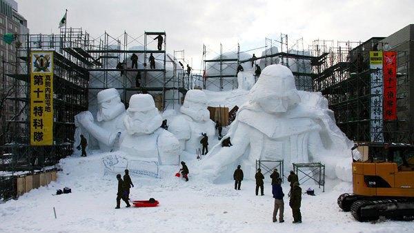 В Японии построили огромного Дарта Вейдера из снега. Изображение № 7.