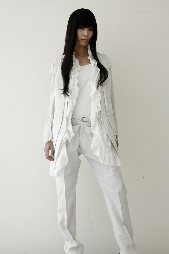 NUDE: MASAHIKO MARUYAMA SS2010. Изображение № 9.