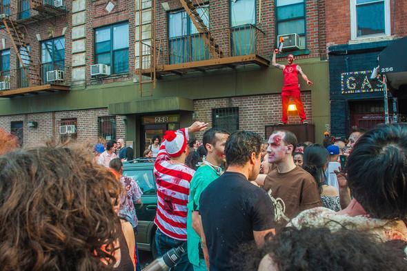 Зомби парад в Нью Йорке. NYC Zombie Crawl.. Изображение № 8.
