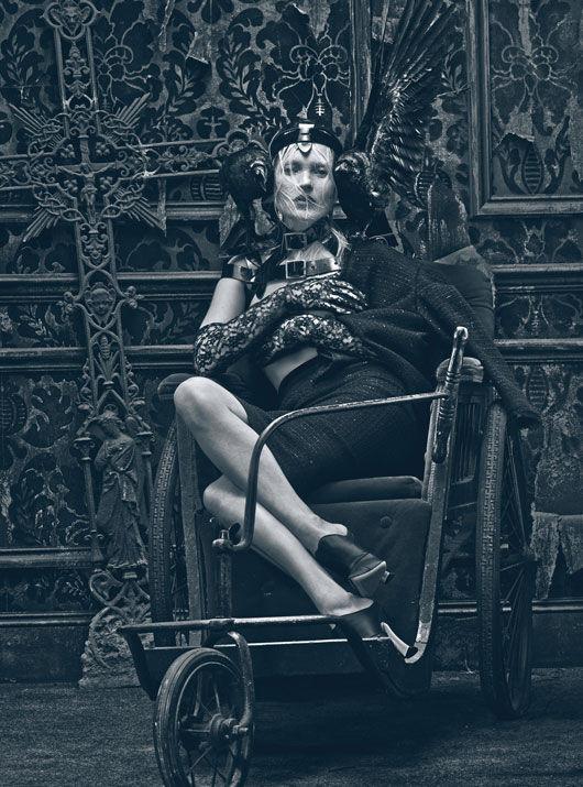 Съёмка: Кейт Мосс в объективе Стивена Кляйна. Изображение № 3.